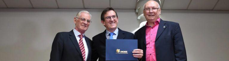Bruno Arenhart é o diretor do Colégio SuperAtivo UNOESC