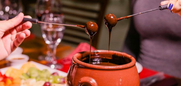 Sequência de Fondue aquece as noites de inverno no Machadinho Thermas Resort Spa