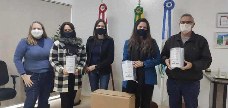 Prefeitura de Joaçaba recebe doação de protetores faciais do SESI/SENAI