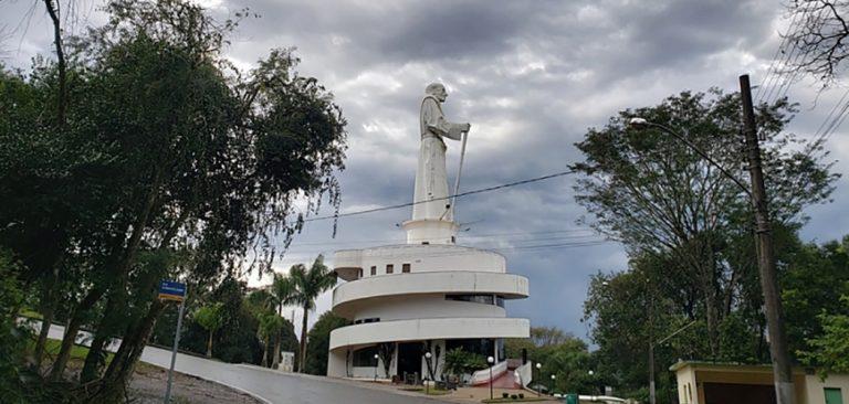 CDL inicia levantamentos para recuperar estragos provocados pelo temporal no Monumento Frei Bruno