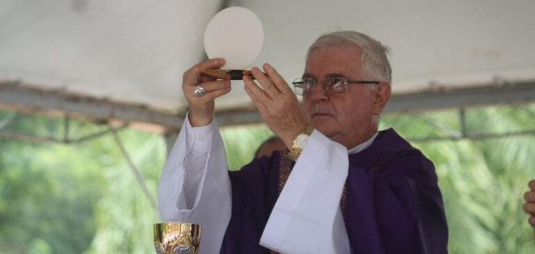 Joaçaba: Igreja Católica celebra finados com missa
