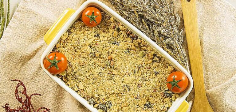 Farofa natalina com frutas e sementes