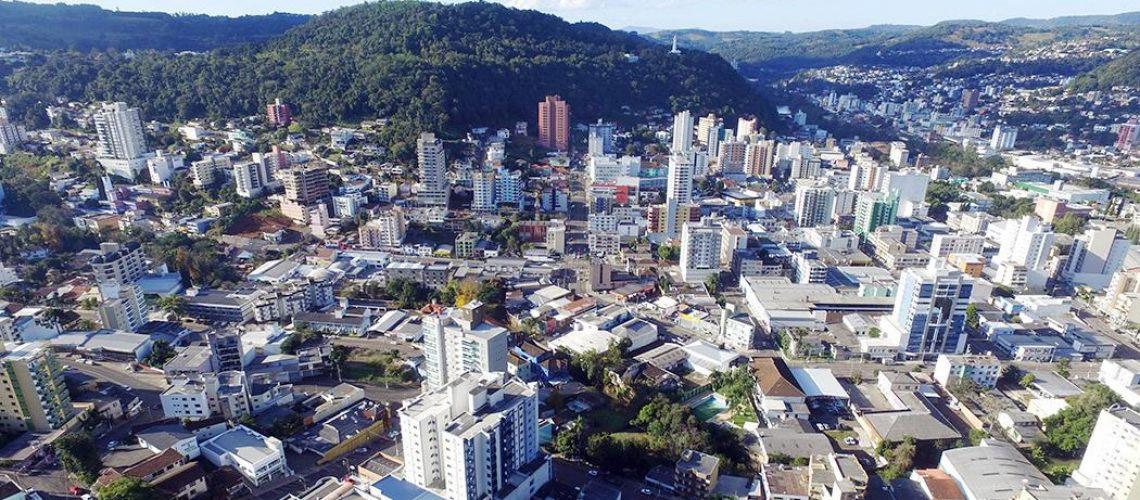 Multas, juros e correção monetária de tributos municipais poderão ser isentados em Joaçaba