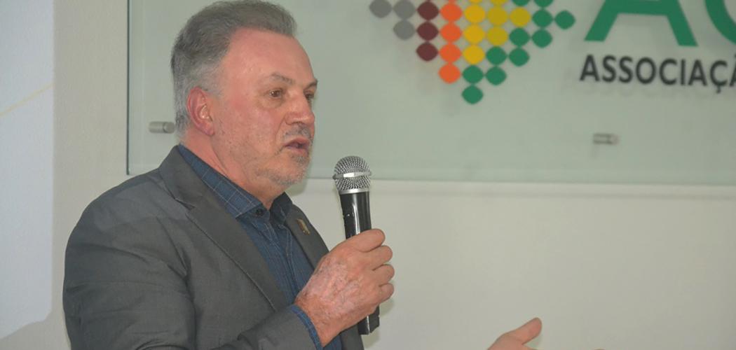 Empresário Jovelci Gomes é eleito presidente da ACIC em Caçador