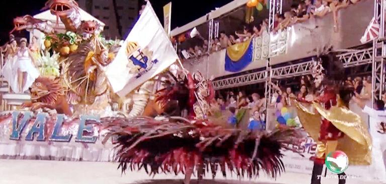 Carnavalesco Zezzo Henzze assina contrato com a Vale Samba
