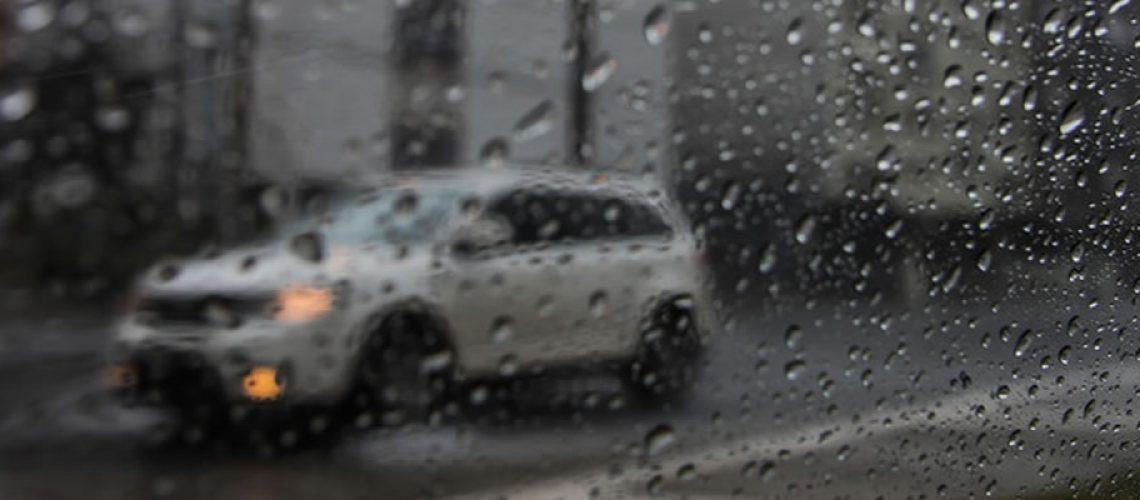 Pancadas de chuva com risco de temporais localizados