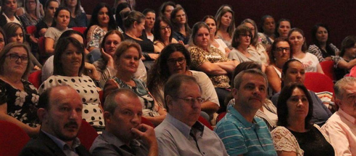 O evento contou com a participação dos professores das redes municipais de ensino dos três municípios/Foto: Assessoria de Imprensa