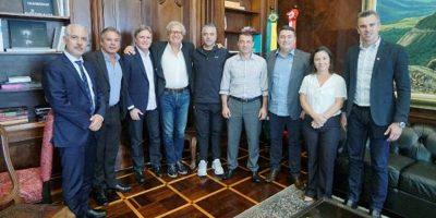 Governador Carlos Moisés recebeu o representante do Hard Rock Internacional