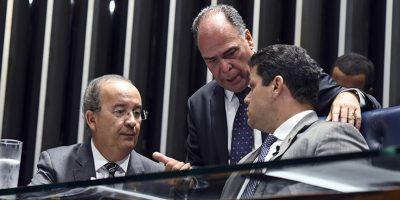 Senador Jorginho Mello conversa com presidente do Senado