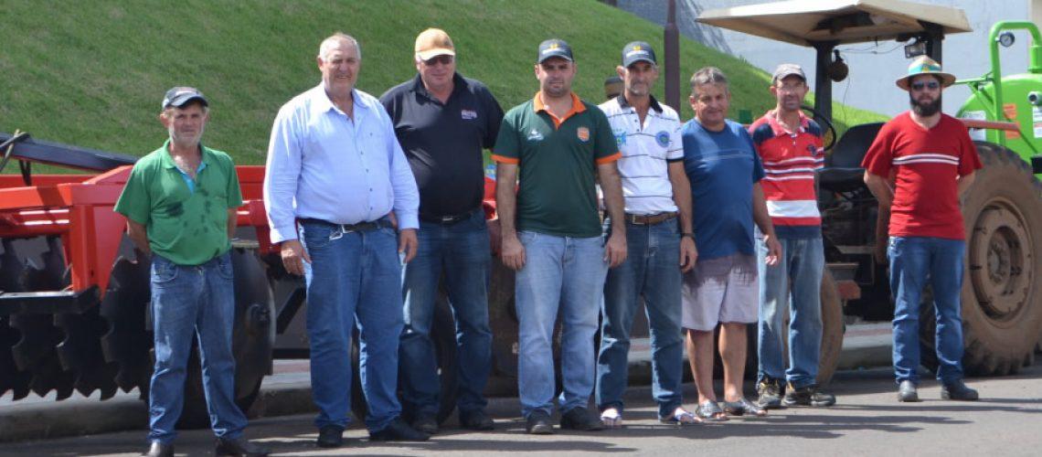 O município entregou para os agricultores do município por forma de cessão de uso/Foto: Assessoria de Imprensa