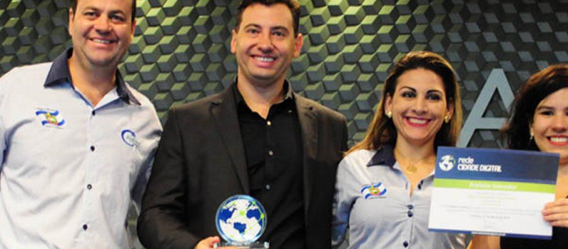 O Prefeito Silvio Alexandre Zancanaro recebeu o Prêmio de Prefeito Inovador/Foto: Assessoria de Imprensa