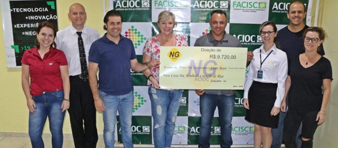 O Núcleo de Gastronomia (NG) da ACIOC realizou a entrega do cheque simbólico ao diretor da Casa