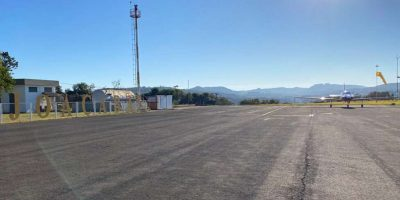O senador Jorginho Mello (PL-SC) garantiu recursos para as obras de ampliação da pista do Aeroporto Santa Terezinha