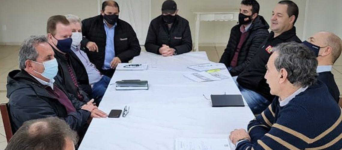 A diretoria da Coocam recepcionou a presidência e a diretoria executiva da Feacoagro