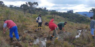 Jovens rurais viram na prática as vantagens da tecnologia que fornece água de qualidade