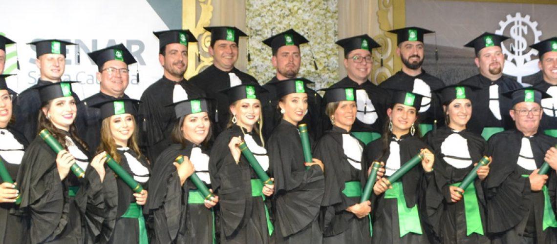Formandos da primeira turma do Curso Técnico em Agronegócio do polo presencial de Rio do Sul/Foto: Assessoria de Imprensa