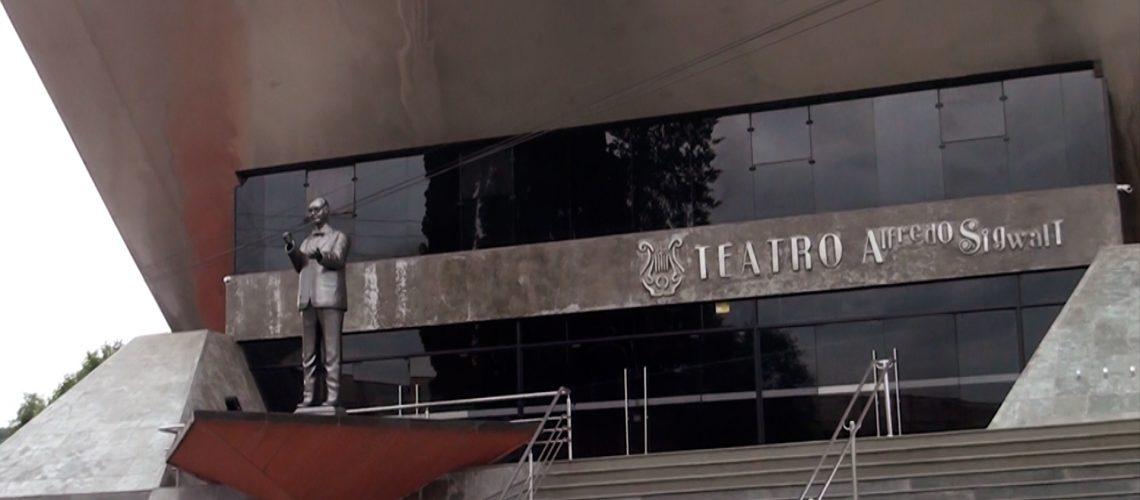 O Teatro Alfredo Sigwalt, em forma de piano, impressiona os visitantes/Foto: Bom Dia SC