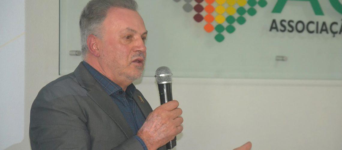 O empresário Jovelci Gomes, que foi presidente da ACIC por quatro anos e vice-presidente regional da FACISC por dois anos, retorna para um novo mandato