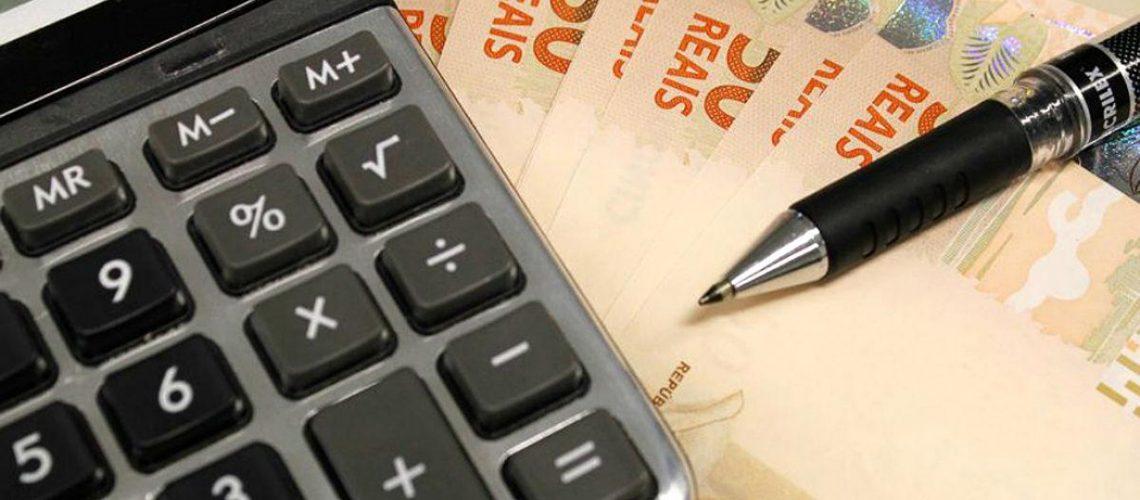 O PLP 2/2020, de autoria do senador Jorginho Mello (PL), que põe fim a cobranças por serviços bancários não utilizados pelos clientes, foi aprovado na Comissão de Assuntos Econômicos (CAE) do Senado Federal/Foto: Agência Brasil