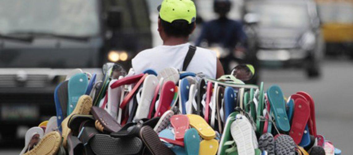 Trabalhadores em economias em desenvolvimento e emergentes, especialmente aqueles com empregos informais, foram afetados em uma extensão muito maior/Foto: Internet