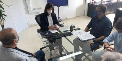Durante a agenda, construída pelo senador Jorginho Mello (PL) - que participou do encontro e apoiou os pleitos, a Secretaria de Saúde Carmen Zanotto, ouviu as propostas do segmento