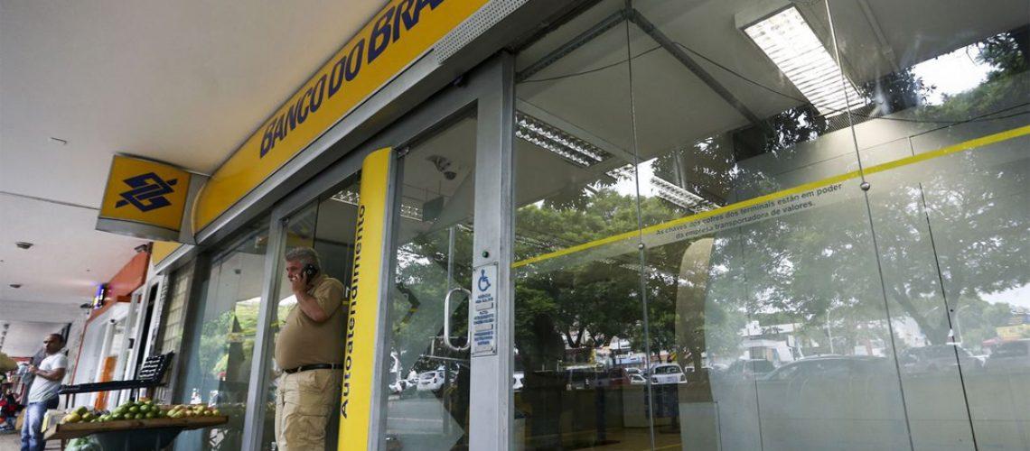 O calendário bancário está mantido e o expediente será retomado na quarta-feira (17), às 12/Foto: Marcelo Camargo-Agência Brasil