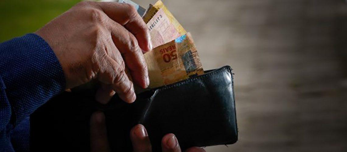 Serão injetados na economia catarinense um total de R$ 460 milhões por meio do pagamento para mais de 150 mil servidores ativos, inativos e pensionistas/Foto: Internet
