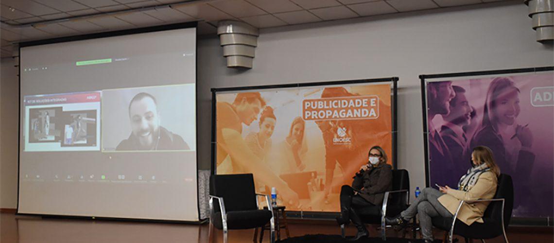Curso de Publicidade e Propaganda e de Administração realizam aula Mix de Marketing