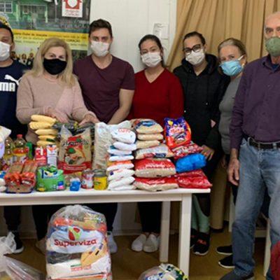 Acadêmicos de Odontologia realizam doação de 280 kg alimentos para o Abrigo do Coração