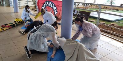 Curso de Enfermagem realiza estágio prático de simulação em situações de urgência e emergência