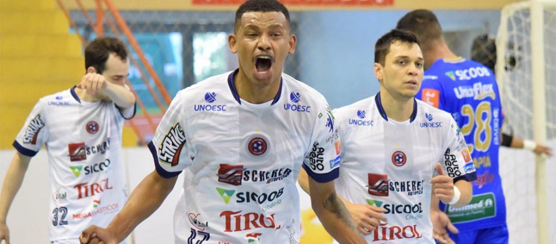 Joaçaba Futsal venceu o paranaense Umuarama por 3 a 2