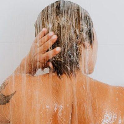 Um banho por dia é essencial para todas as pessoas/Foto: Internet