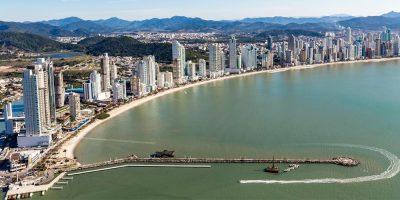 Segundo o Índice FipeZap a cidade no litoral catarinense tem o terceiro metro quadrado mais valorizado do país, atrás de São Paulo e Rio de Janeiro/Foto: Internet