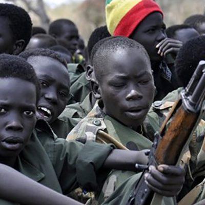 Crianças foram usadas como soldados no ano passado em vários conflitos pelo mundo/Foto: Internet