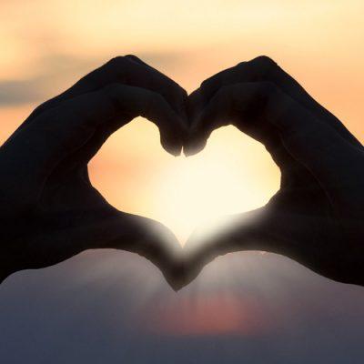 A data é comemorada no dia 12 de junho, véspera do dia 13, Dia de Santo Antônio, conhecido por ser o santo casamenteiro/Foto: Pixabay