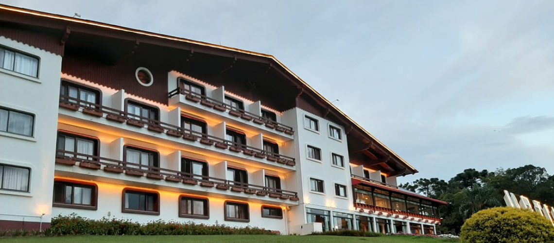 Hotel Renar completa 39 Anos