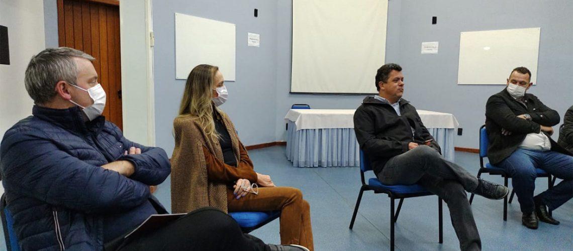 O roteiro iniciou em São Miguel do Oeste, nesta segunda  feira a noite com uma reunião com as lideranças e o Trade Turístico do município e região