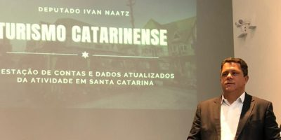 Deputado Ivan Naatz apresentou relatório da Comissão de Turismo da Alesc para a região da AMMVI/Foto: Raffael do Prado