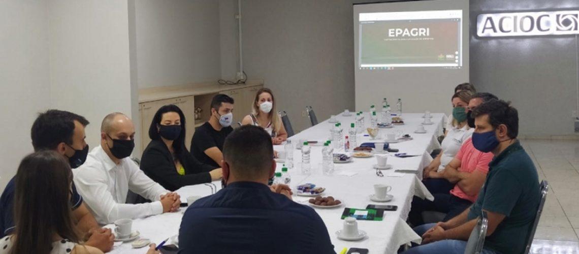 O diretor de Agronegócio da ACIOC, Maicon Stella agradeceu a presença do gerente regional da Epagri na reunião e destacou que a associação segue atenta às necessidades dos produtores