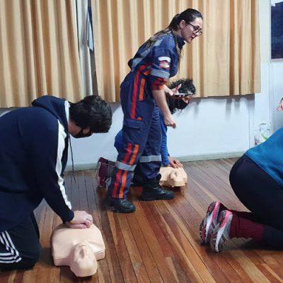 Todos os professores tiveram a oportunidade de participar do Curso Básico de Atendimento à Emergências