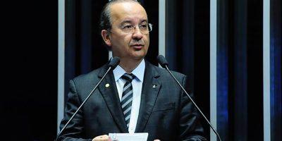 Jorginho Mello, o único parlamentar catarinense indicado no para receber a honraria