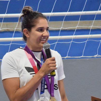 Natália Zilio Pereira nasceu na cidade de Loanda, no Paraná, mas residiu em Joaçaba a partir dos 15 dias de vida