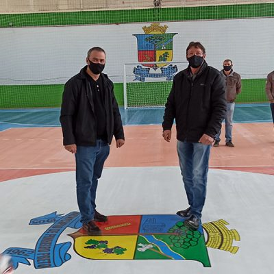 O ginásio municipal esta novamente aberto para a prática esportiva, seguindo a regulamentação e protocolos de prevenção a Covid-19