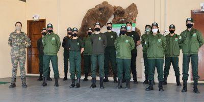 A turma de 30 (trinta) Protetores Ambientais  foi dividida