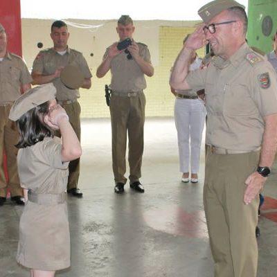 O projeto reuniu autoridades civis e militares e 140 crianças/Foto: PMSC