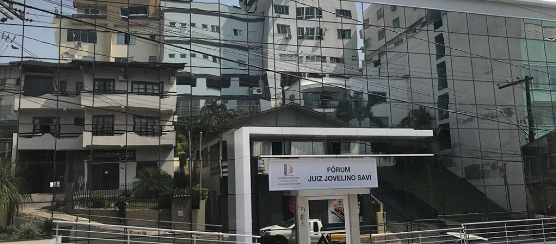 O público poderá se dirigir até a rua Atílio Pagnoncelli, 121, no Centro, para acessar os serviços da Justiça catarinense