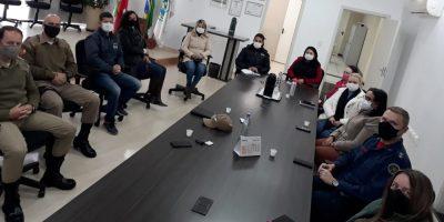 A reunião para alinhar o acolhimento de pessoas em situação de rua e em trânsito durante esse período de frio intenso