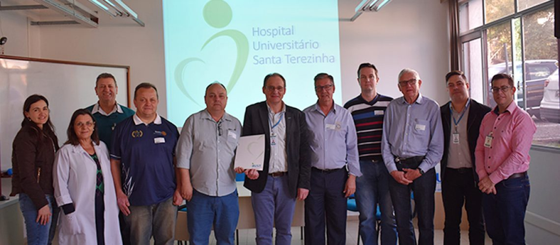 Representantes do HUST e do Rotary/Foto: Assessoria de Imprensa