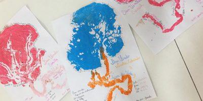O desenho representando a árvore da vida é oferecido como presente para que as mães possam guardar a imagem como uma lembrança