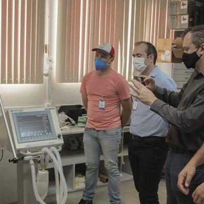 Equipamento em instalação no Hospital Regional de São Miguel do Oeste/Foto Ivan Ansolin